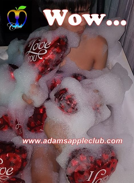 Adams Apple Club badewannen show